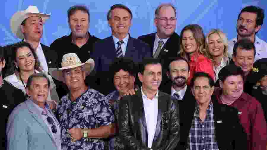 Dedé Santana e cantores sertanejos se reúnem com o presidente Jair Bolsonaro - Fátima Meira/Futura Press/Estadão Conteúdo