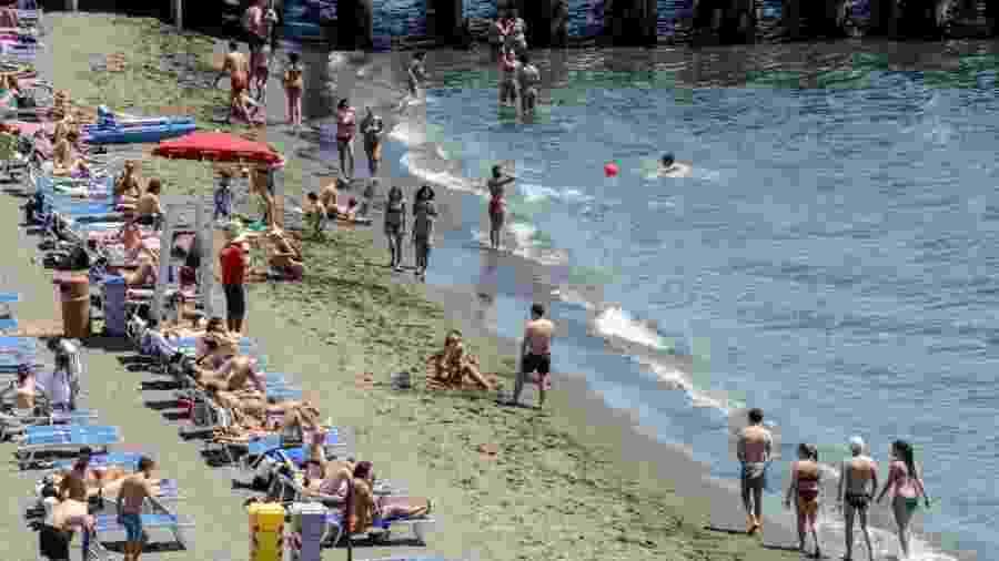 Praia em Campania, na Itália - Salvatore Laporta/KONTROLAB/LightRocket via Getty Images