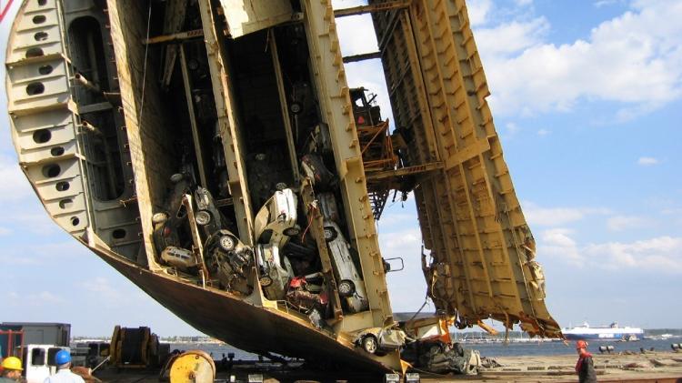 MV Tricolor naufrágio cargueiro resgate carros navio embarcação 2002 2003 - Reprodução - Reprodução