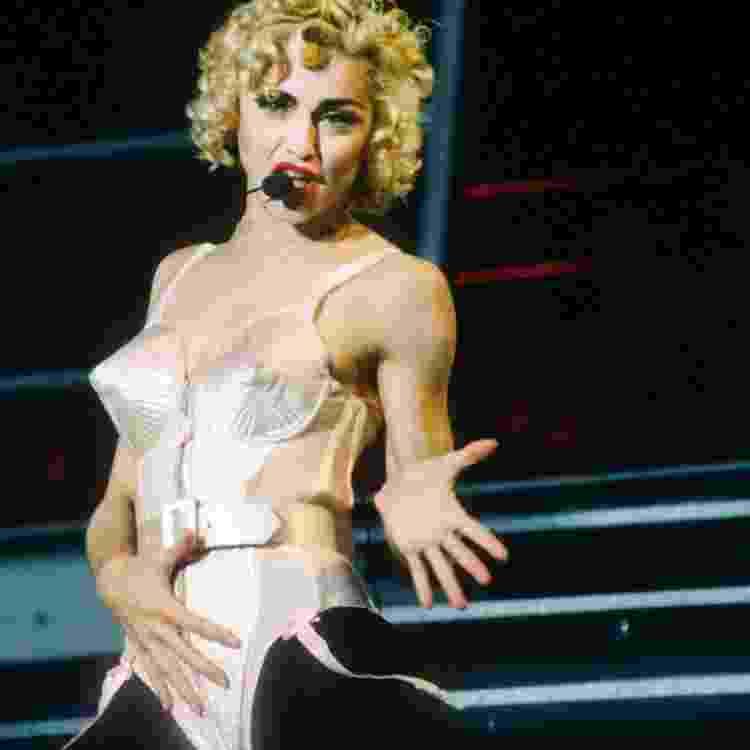 Madonna durante a turnê Blonde Ambition, em 1990 - Reprodução - Reprodução
