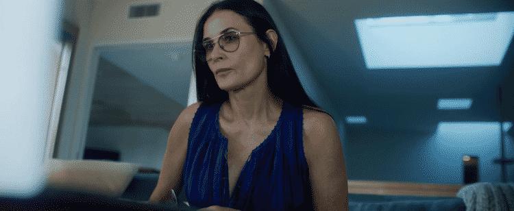 Demi Moore em cena de 'Songbird' - Reprodução/YouTube - Reprodução/YouTube