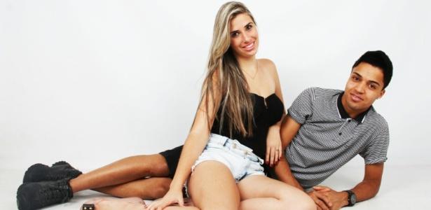 Ingrid e Mauro tatuaram o símbolo do infinito no dedo anelar esquerdo - Miranda Dellgado
