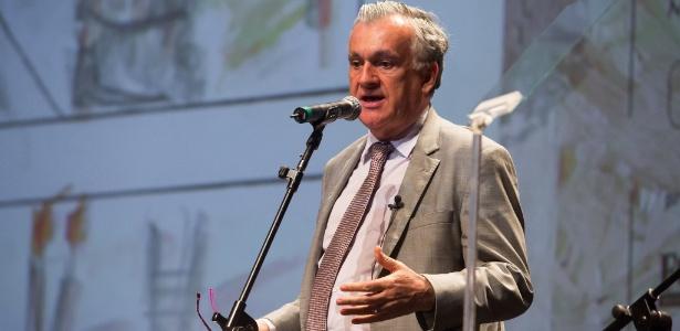 21.out.2015 - O ministro da Cultura Juca Ferreira fala durante a abertura da Mostra de São Paulo, no Auditório Ibirapuera - Mário Miranda Filho/Agência Foto