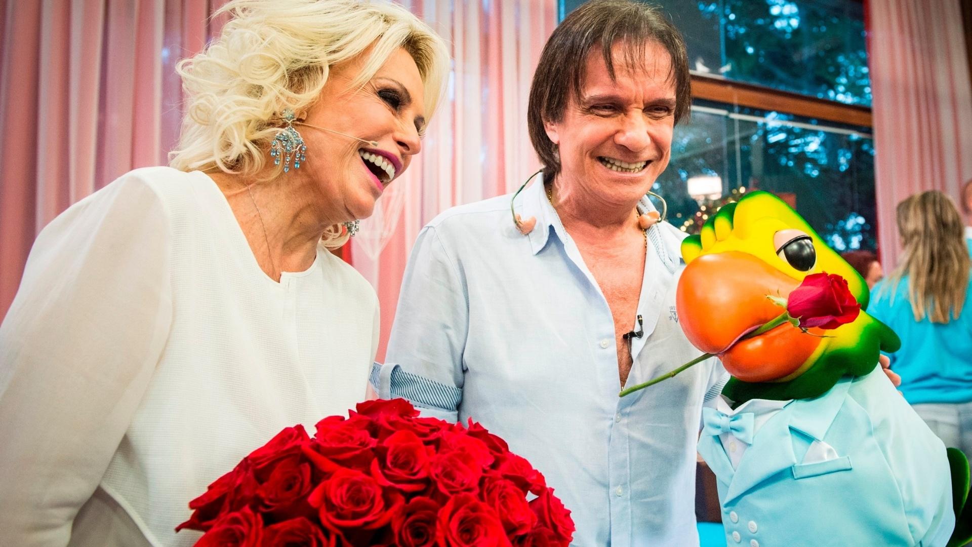 Dez.2015 - Roberto Carlos participa do programa