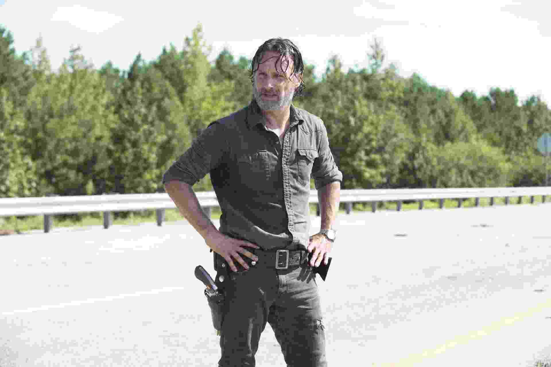 """Rick (Andrew Lincoln) recupera a confiança e coloca em prática seus planos para derrotar Negan (Jeffrey Dean Morgan) na sétima temporada de """"The Walking Dead"""" - Divulgação/AMC"""