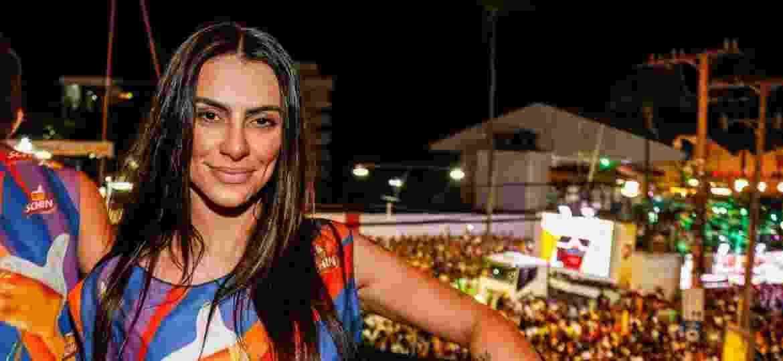 Cleo Pires aproveita o segundo dia de Carnaval em camarote  - Francisco Silva/AgNews/Divulgação