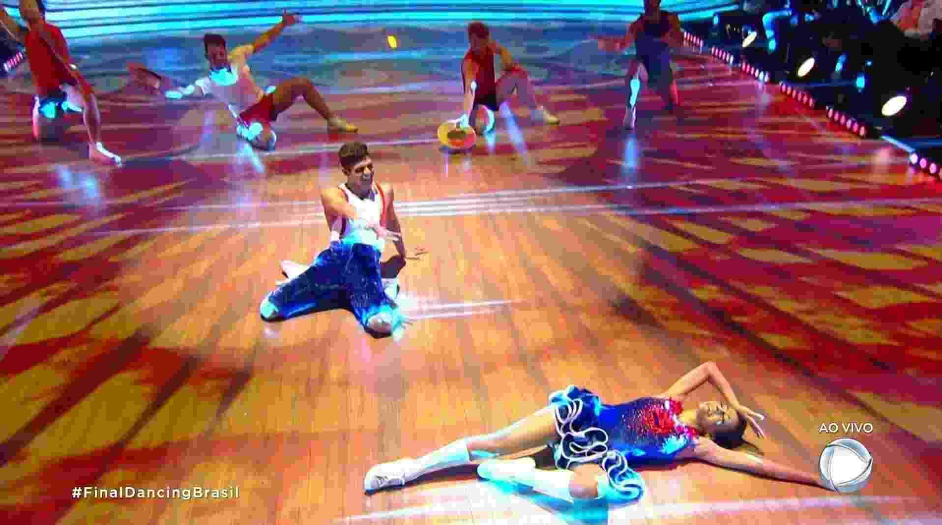 "Maytê Piragibe e Paulo Victor dançam charleston na final do ""Dancing Brasil"" - Reprodução/Record"