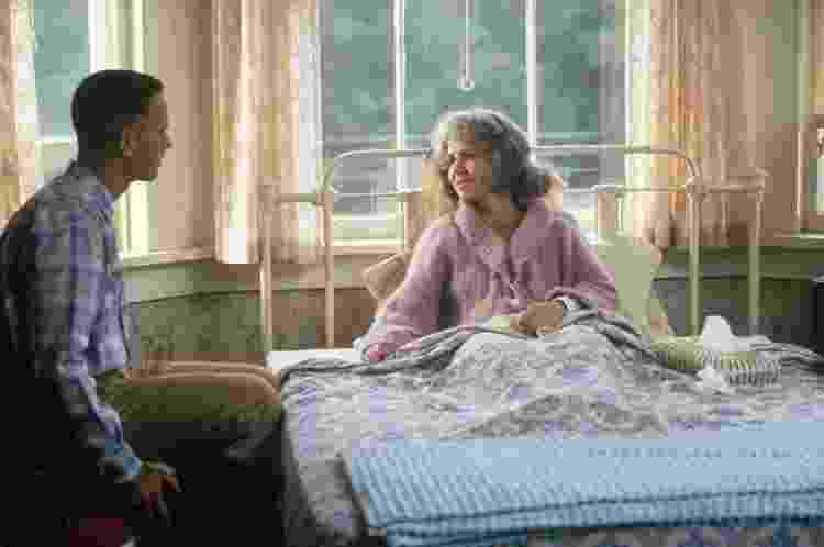 """Tom Hanks e Sally Field em cena de """"Forrest Gump: O Contador de Histórias"""" (2004) - Divulgação - Divulgação"""