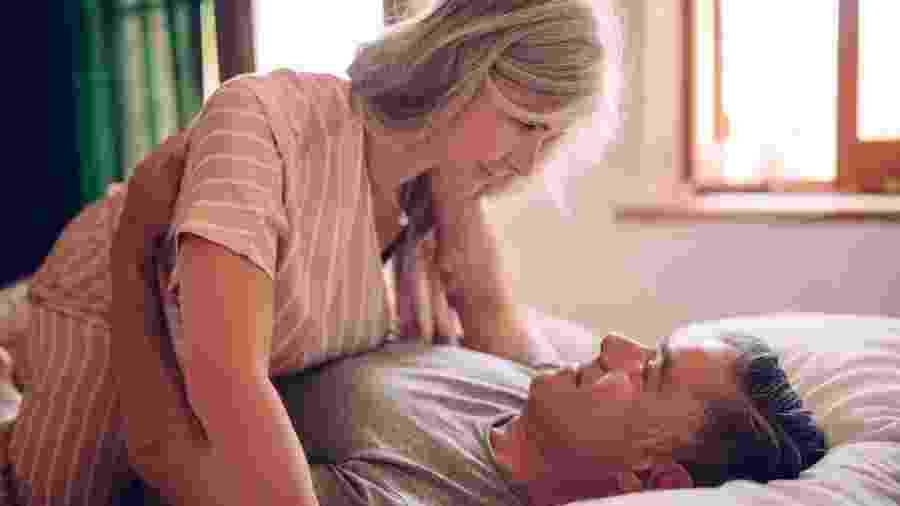 É possível resgatar a libido e ter prazer mesmo com as baixas de estrógeno. - iStock Images