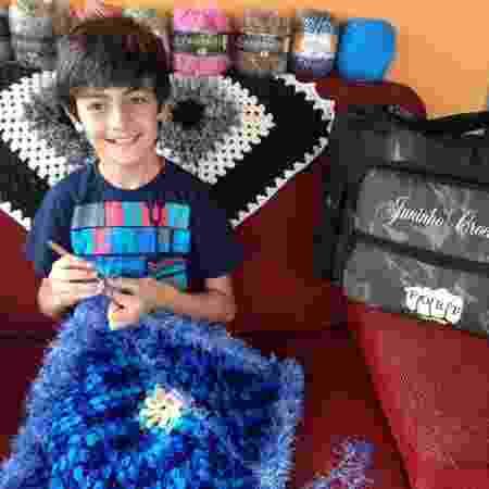 Junior faz crochê desde os 11 anos - Arquivo Pessoal - Arquivo Pessoal