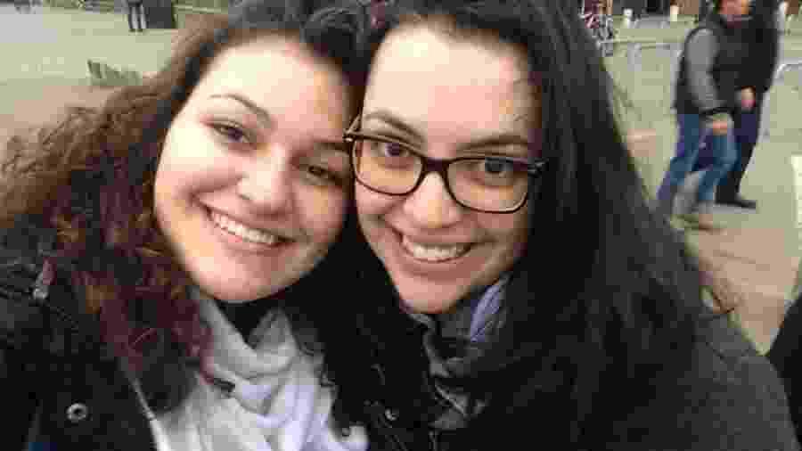 A jornalista Letícia Sepúlveda e sua irmã Christianne - Arquivo pessoal