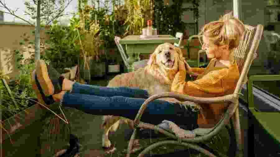 A varanda pode ser usada para receber amigos, para uma boa refeição em família ou ser uma cozinha funcional - Getty Images