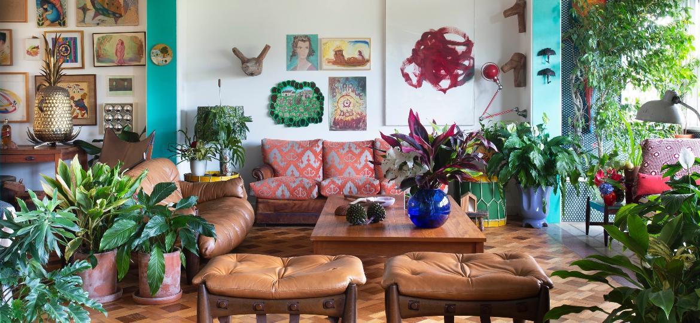 Apartamento de Isabela Capeto com vista para o Pão-de-Açúcar, no Rio de Janeiro, valoriza as plantas como decoração dos cômodos - Juliano Colodeti/MCA Estúdio (@mca_estudio)