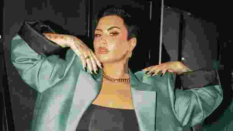 Brenda é fã de Demi Lovato, que a seguiu no Instagram e ela surtou. Quem não surtaria, não é mesmo? - Divulgação - Divulgação