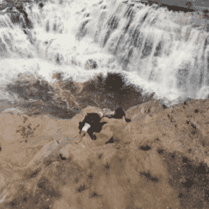 """21.out.2015 - """"Além do Tempo"""", novela das seis da Globo, sofreu uma passagem de cerca de 150 anos em sua história. No capítulo desta quarta-feira ocorreu a transição. A partir de agora, a trama escrita por Elizabeth Jhin se torna contemporânea. Os personagens voltam com o mesmo nome, mas com o sobrenome diferente. - Reprodução/TV Globo"""