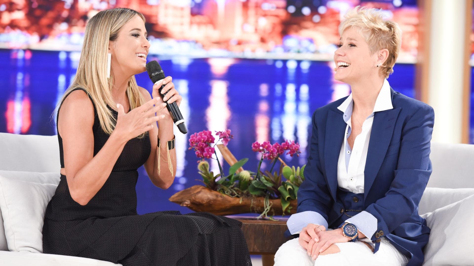Xuxa recebe Ticiane Pinheiro em seu programa na Record