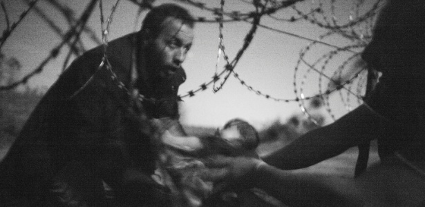 A fotografia que ganhou o prêmio World Press Photo de 2016, do australiano Warren Richardson. - Warren Richardson/World Press/EFE