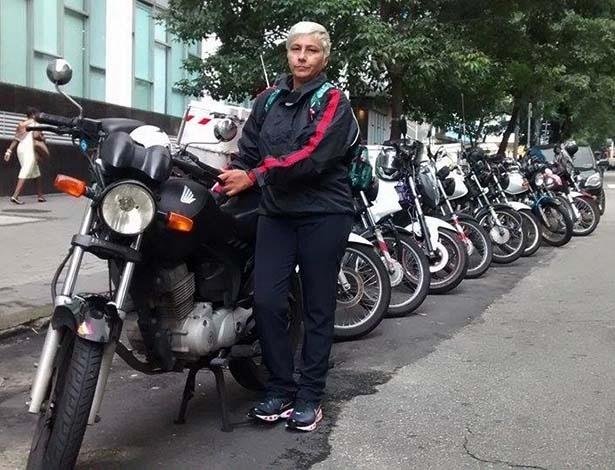 Cristiane Cardoso é motogirl há 23 anos e nunca se envolveu em acidente grave - Infomoto