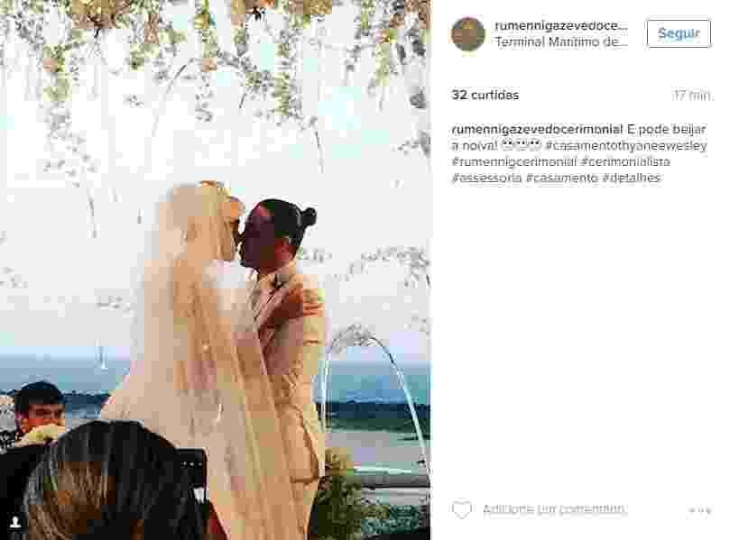 01.ago.2016 - Em cerimônia íntima, Wesley Safadão e Thyane Dantas se casam em Fortaleza - Reprodução/Instagram rumennigazevedocerimonial