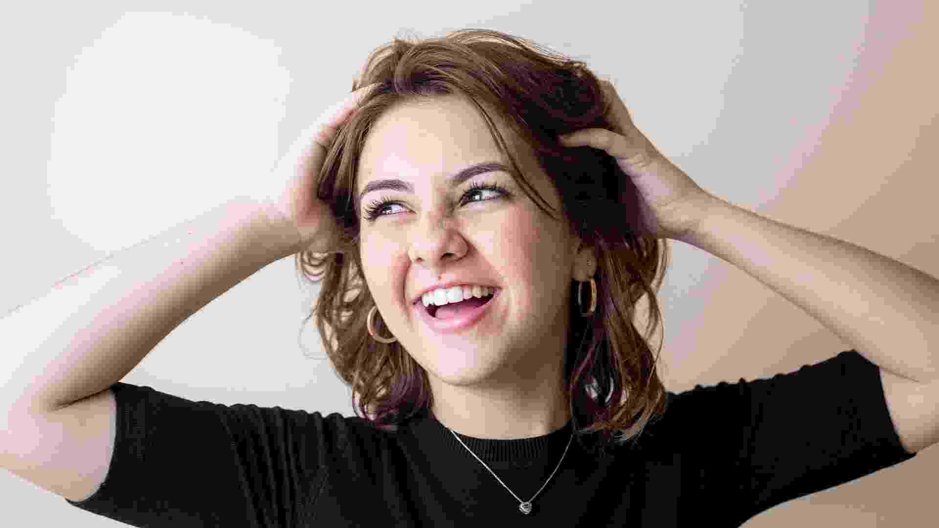 """A atriz Klara Castanho fala ao UOL sobre sua estreia no cinema como Julia, no filme """"É Fada!"""", e no teatro como Jane e Lady Jane em """"O Aprendiz de Feiticeiro"""" - Ricardo Matsukawa/UOL"""