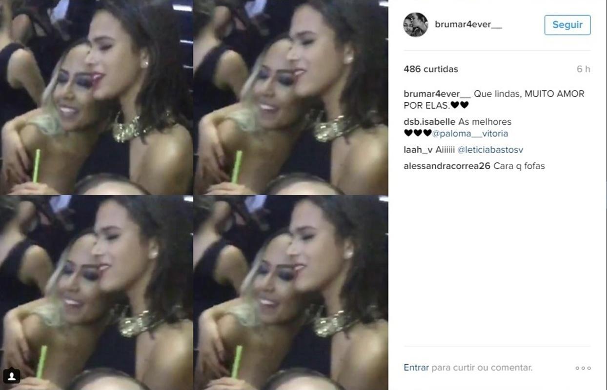 Bruna Marquezine e Rafaella, irmã de Neymar, são fotografadas se abraçando na festa da mãe do craque