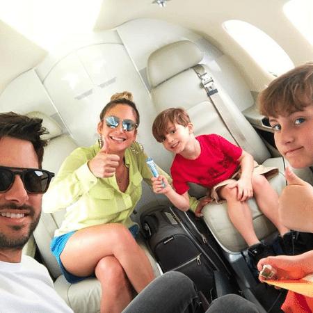 Claudia Leitte com o marido, Márcio, e os filhos, Rafael e Davi - Reprodução/Instagram/claudialeitte