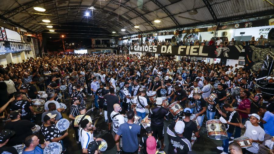 Ensaio da Gaviões da Fiel em fevereiro de 2018 em sua quadra no Bom Retiro - Marcelo Justo/UOL