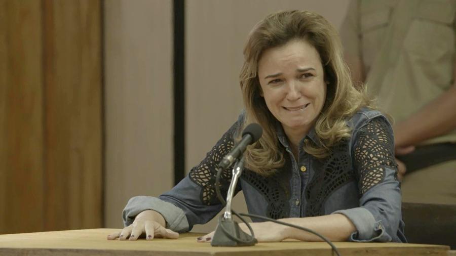 Lorena se emociona ao ver a filha depor e pede perdão a ela - Reprodução/GShow/O Outro Lado do Paraíso