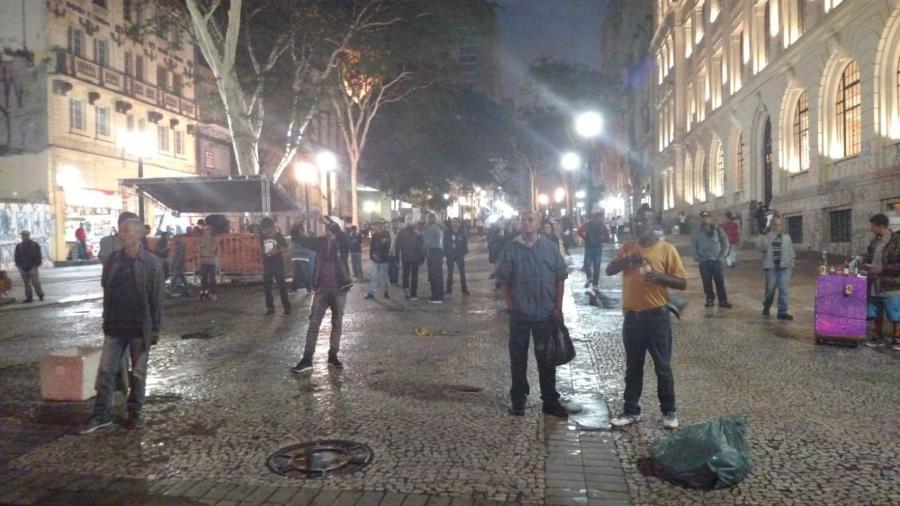 Movimentação na avenida São João, esquina com o Vale do Anhangabaú, durante a Virada Cultural 2018 - Felipe Branco Cruz/UOL