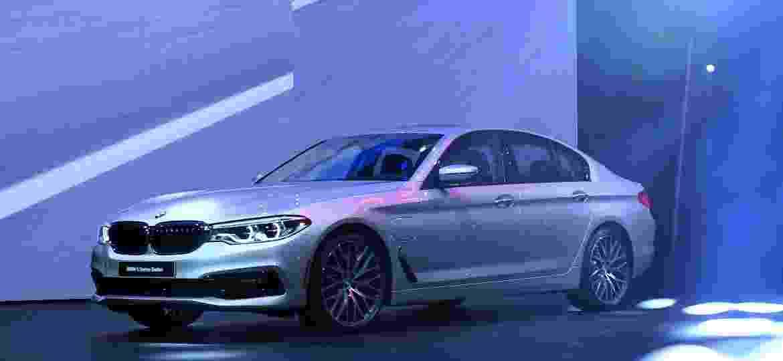 BMW Série 5 e iPerformance: quase ninguém quer o híbrido nos EUA - Yin Bogu/Xinhua