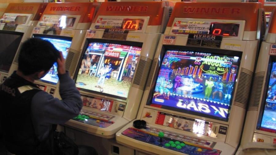 O sucesso de Street Fighter II mudou para sempre a cultura dos arcades. Até hoje é possível encontrar máquinas do jogo, especialmente no distrito de Akihabara, em Tóquio. - Reprodução/junkerhq.net