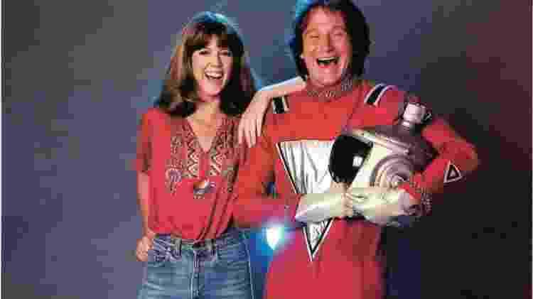 """Pam Dawber e Robin Williams em """"Mork & Mindy"""" - Divulgação - Divulgação"""