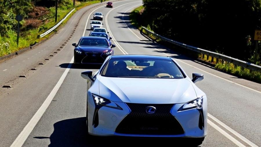 Lexus LC 500h é cupê esportivo com tecnologia híbrida capaz de fazer o 0-100 km/h em 5 segundos - Divulgação