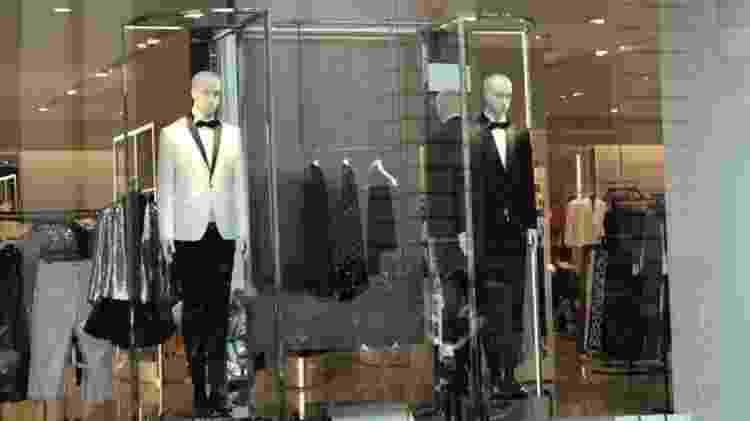 Até lojas populares e gigantes do fast fashion aproveitam a ocasião para vender trajes Black Tie - RFI
