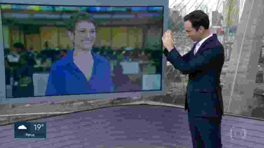 César Tralli manda coraçãozinho para Sandra Annenberg em despedida no SP1 - Reprodução/TV Globo