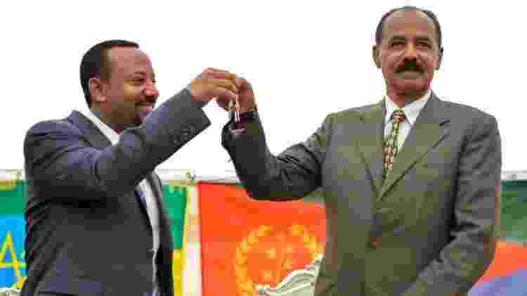 O primeiro-ministro etíope (esquerda) com o presidente da Eritreia, Isaias Afwerki - Getty Images