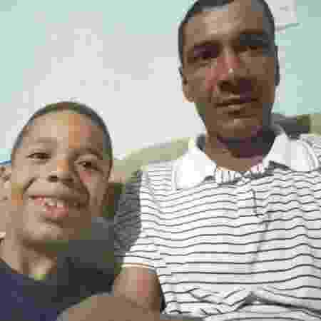 O estudante Júlio e o pai Miron Silva Oliveira: viagem inesquecível para o garoto - Arquivo Pessoal