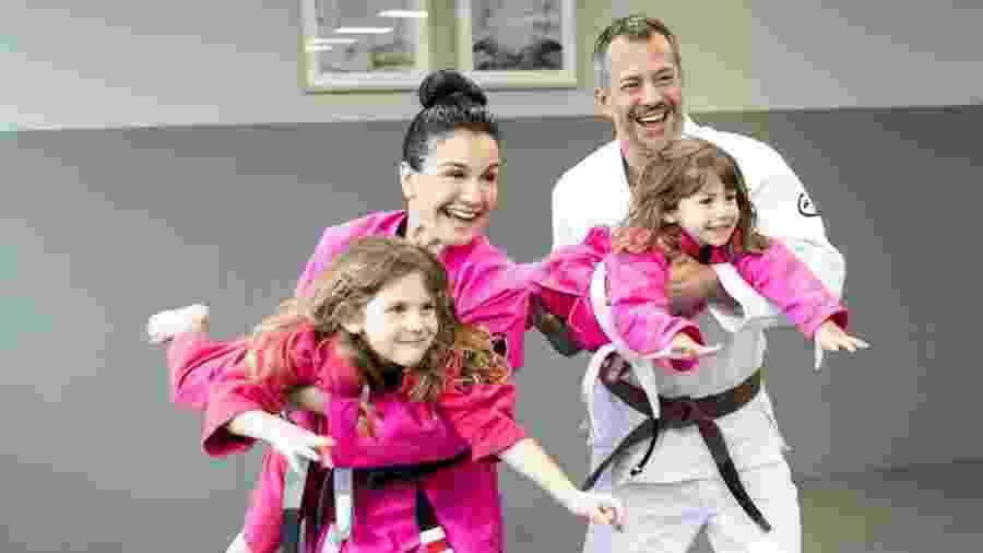 Malvino Salvador e família mantém aulas de jiu-jitsu durante quarentena - Reprodução/eumalvinosalvador