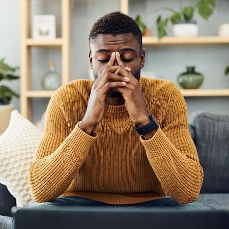Embora sejam emoções diferenciadas, estresse e ansiedade costumam estar bastante atreladas - iStock