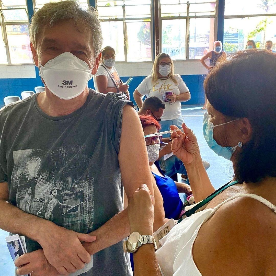 Serginho Groisman é vacinado contra covid-19 - Reprodução/Instagram @serginhogroisman
