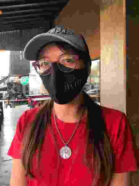 Nazira, que trabalha em uma lanchonete, aposta na vinda dos brasileiros para a vida voltar ao normal - Luciana Taddeo/UOL - Luciana Taddeo/UOL