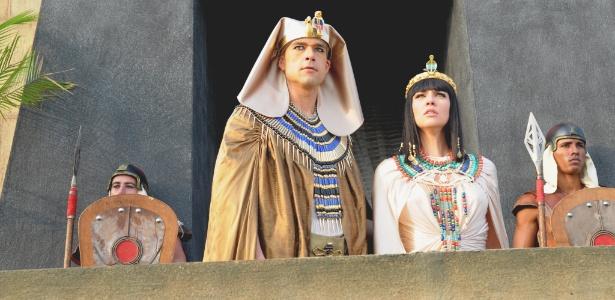 """Ramsés (Sérgio Marone) em cena de """"Os Dez Mandamentos"""""""