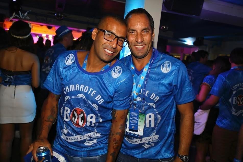 8.fev.2016 - Emerson Sheik e Edmundo no camarote da Boa, na Sapucaí, no Rio de Janeiro
