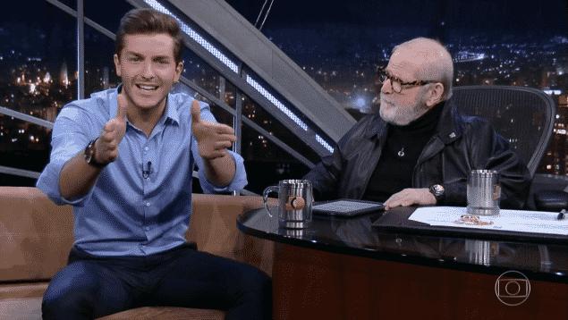 """26.ago.2016 - Klebber Toledo é entrevistado por Jô Soares na Globo e fala sobre """"Êta Mundo Bom"""" - Reprodução/TV Globo"""