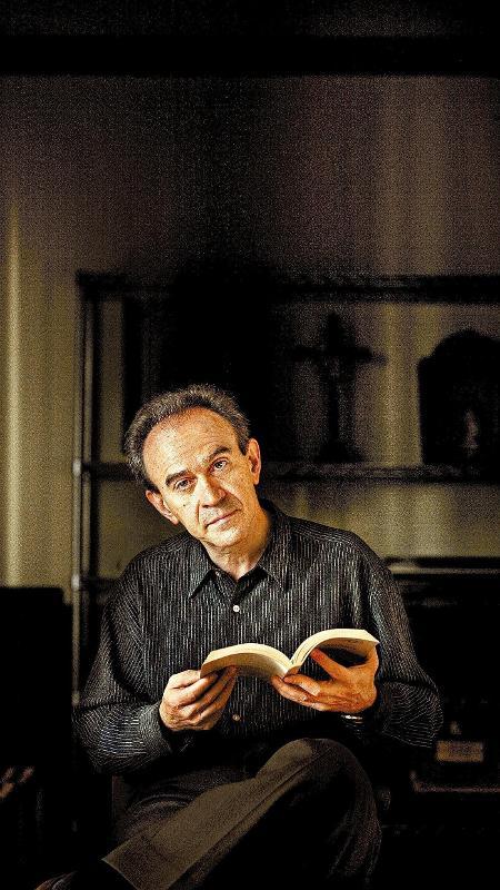 O escritor e diplomata João Almino - Divulgação