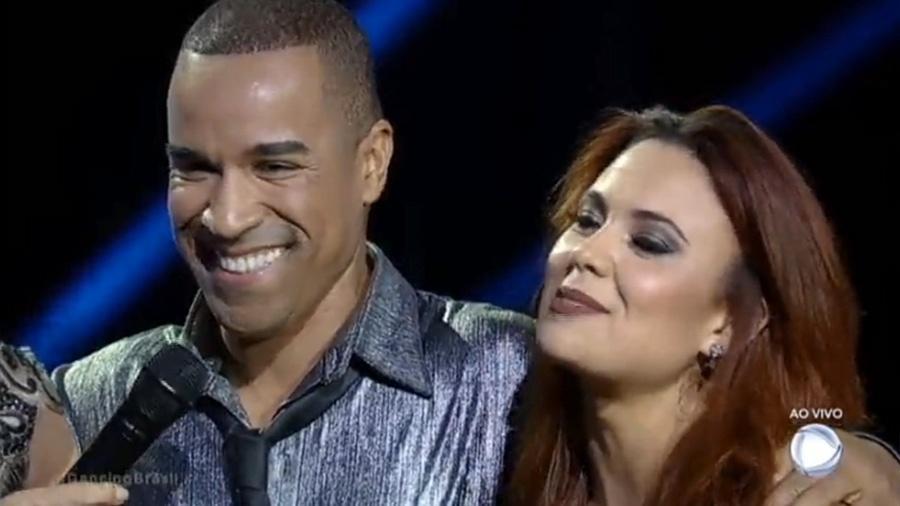 """Fernando Pires e Bella Fernandes foram os primeiros eliminados do """"Dancing Brasil 2"""" - Reprodução/Record"""