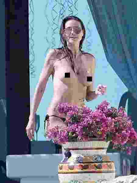 Heidi Klum faz topless no México - Reprodução/Mirror - Reprodução/Mirror