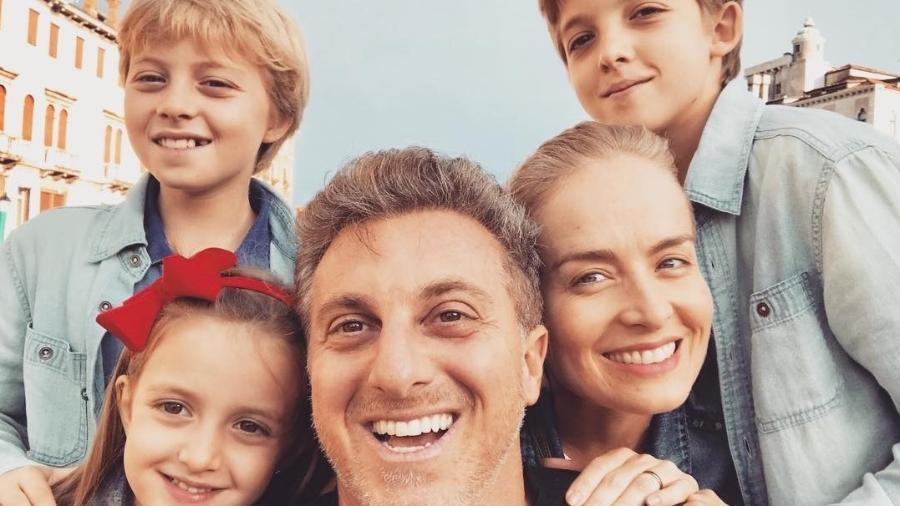Luciano Huck e Angélica com os filhos: Joaquim, Benício e Eva - Instagram/@lucianohuck