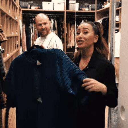 Sabrina Sato mostra roupa que guarda de sua avó - Reprodução/YouTube