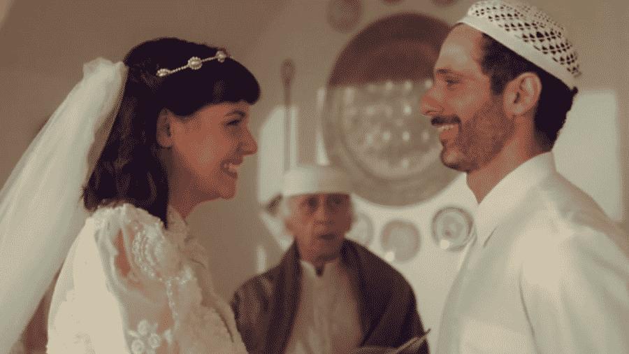 """Ali sonha que está se casando com Sara em """"Órfãos da Terra"""" - Reprodução/Globo"""